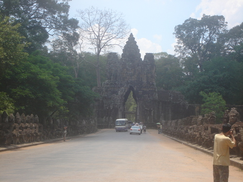 Angkor_thom_gate
